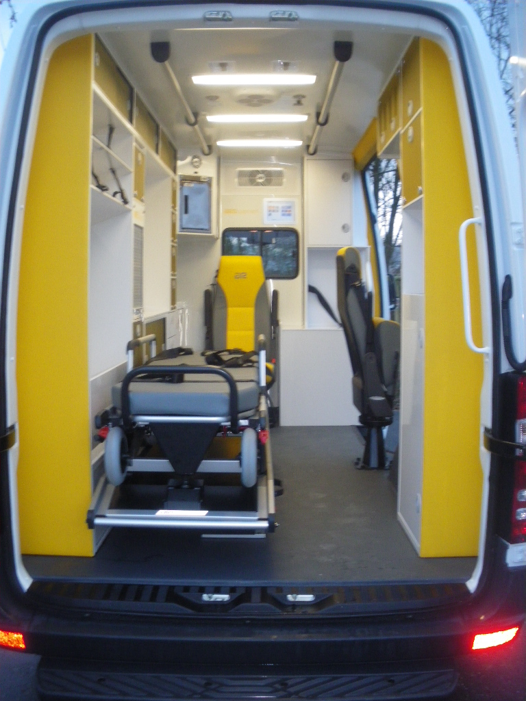 Ambulance Sprinter L2H2
