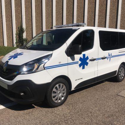 Ambulance RENAULT Trafic  AR.France 120 cv