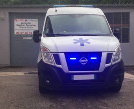 Ambulance  NISSAN NV400 L2H2 2 PLC